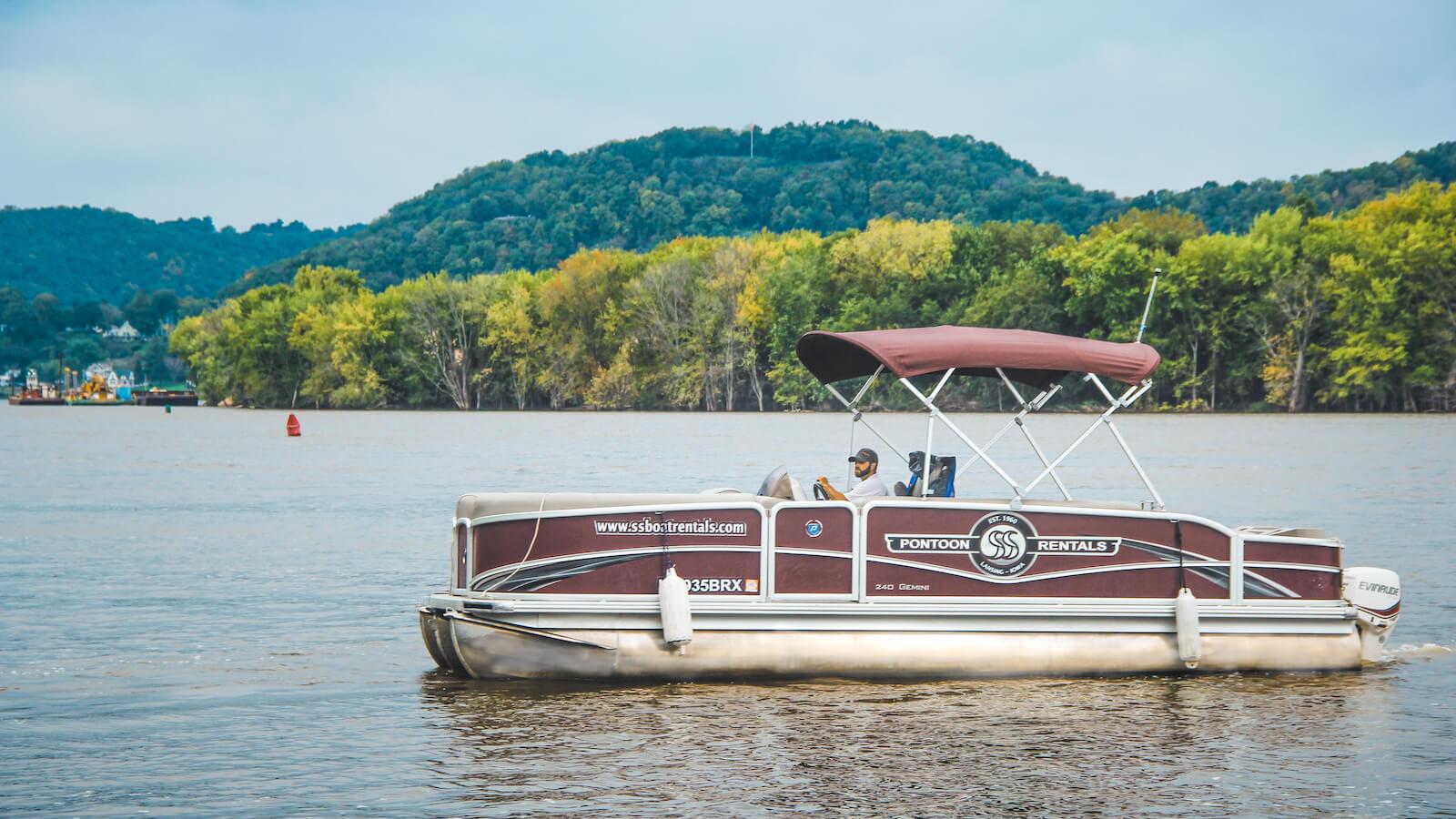 S&S Rentals pontoon boat