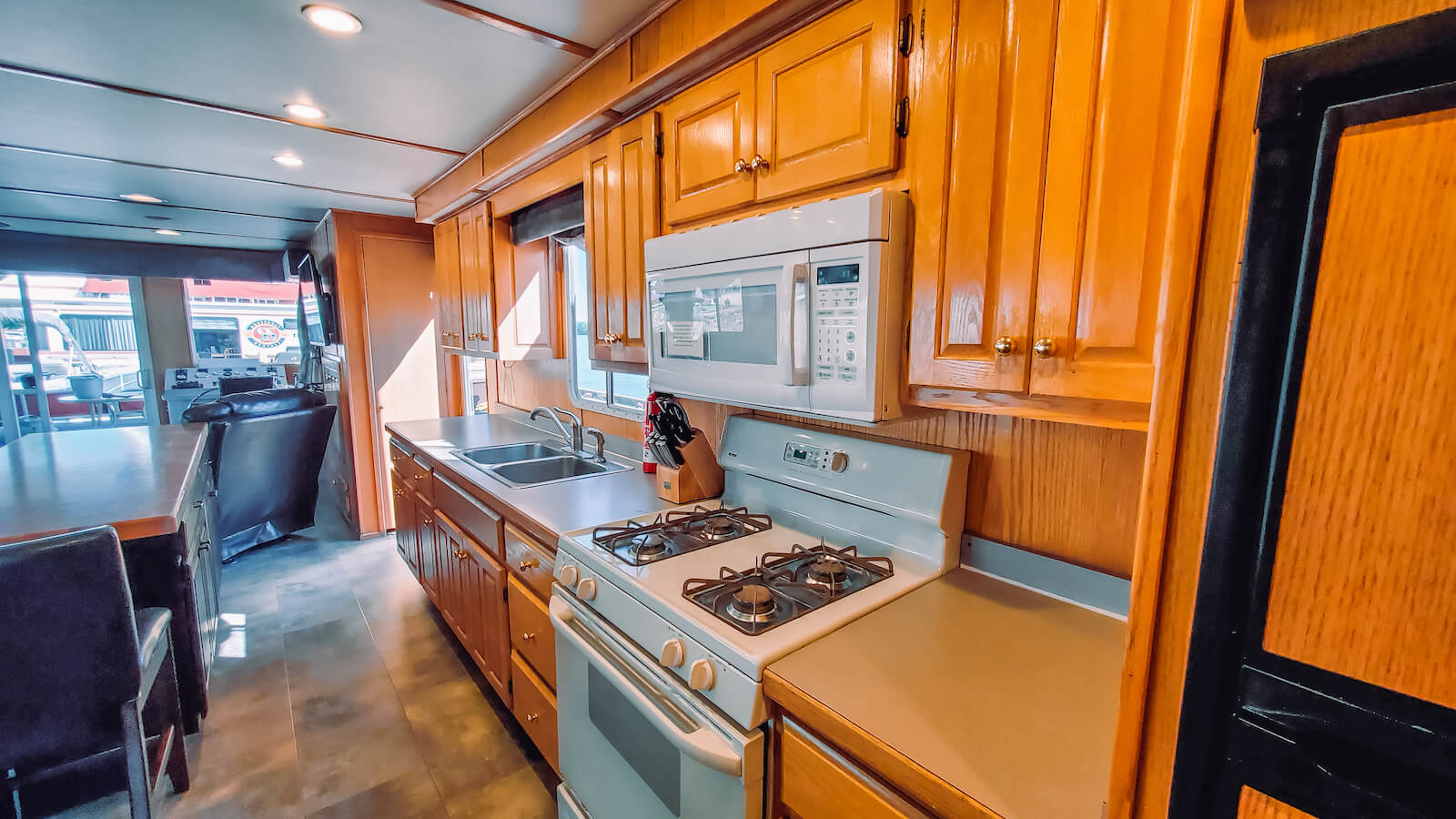 Kitchen in the S&S Rentals Riverview 62' houseboat